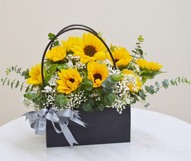 chúc mừng khai trương nên tặng hoa gì?