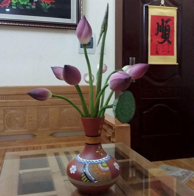 10 loại hoa chưng bàn thờ ngày Tết - hoa sen